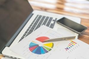 raport-dokumentacji-wykresy-biznesowe-na-rynku_1232-3838